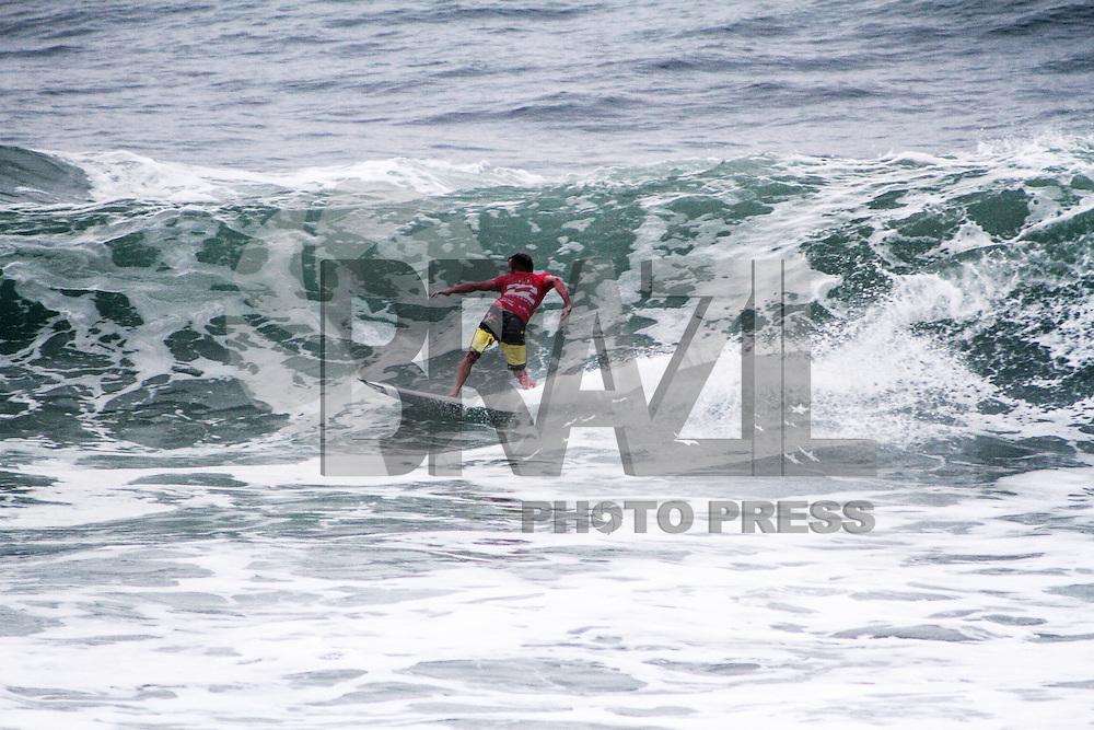 RIO DE JANEIRO; RJ; 18 DE MAIO 2013- O australiano Taj Burrow surfa na bateria da terceira rodada do WCT Rio 2013 na Barra da Tijuca no Rio de Janeiro, neste sábado 18. FOTO: NÉSTOR J. BEREMBLUM - BRAZIL PHOTO PRESS.