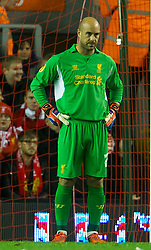04.10.2012, Anfield, Liverpool, ENG, UEFA EL, FC Liverpool vs Udinese Calcio, im Bild Liverpool's goalkeeper Jose Reina looks dejected as Udinese Calcio score the second goal during UEFA Europaleague Match between Liverpool FC and Udinese Calcio at Anfield, Liverpool, England on 2012/10/04. EXPA Pictures © 2012, PhotoCredit: EXPA/ Propagandaphoto/ David Rawcliff..***** ATTENTION - OUT OF ENG, GBR, UK *****