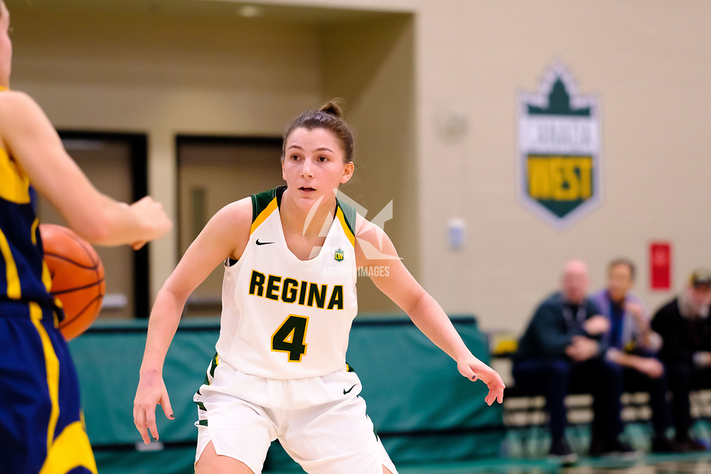4th year guard, Avery Pearce (4) of the Regina Cougars in action during the Regina Cougars vs Lethbridge game on November 2 at University of Regina. Credit Matte Black Photos/©Arthur Images 2018