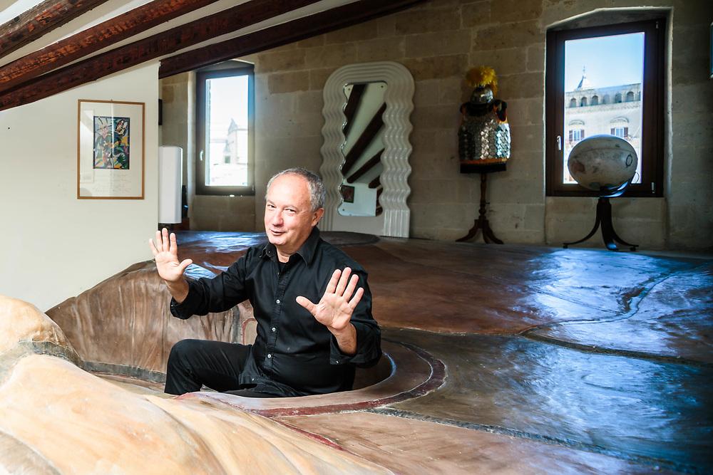 29 MAY 2015 - Matera - L'arch. Mattia Antonio Acito nella sua casa.