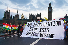 2014-10-09 Kurdish protest blocks Westminster Bridge