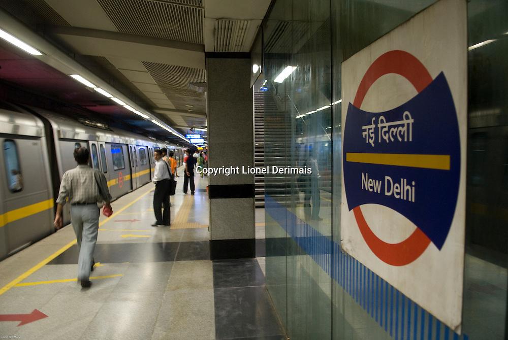 Metro a New Delhi. New Delhi metro system.