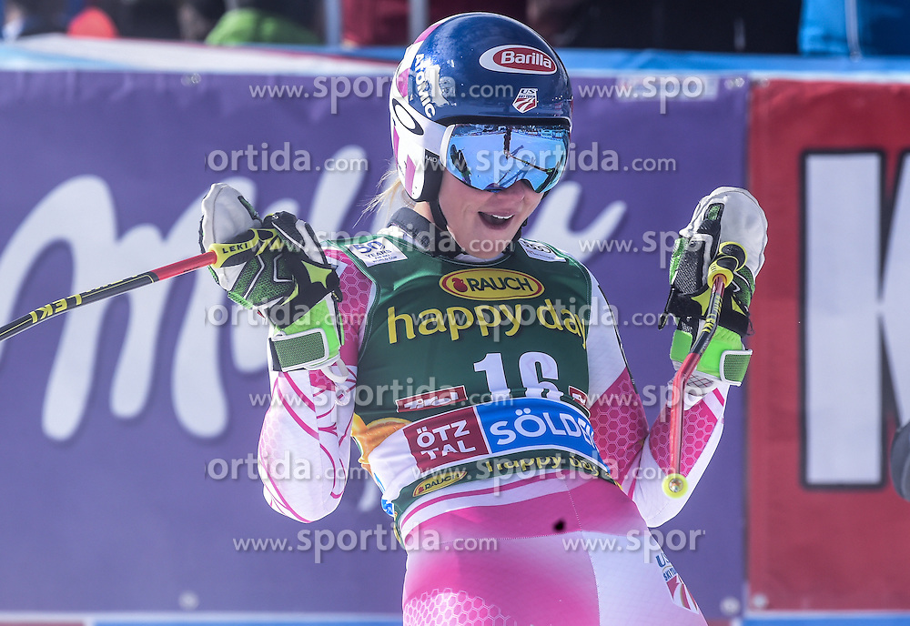22.10.2016, Rettenbachferner, Soelden, AUT, FIS Weltcup Ski Alpin, Soelden, Riesenslalom, Damen, 2. Durchgang, im Bild Mikaela Shiffrin of the USA // reacts after her 2nd run of ladies Giant Slalom of the FIS Ski Alpine Worldcup opening at the Rettenbachferner in Soelden, Austria on 2016/10/22. EXPA Pictures © 2016, PhotoCredit: EXPA/ Erich Spiess