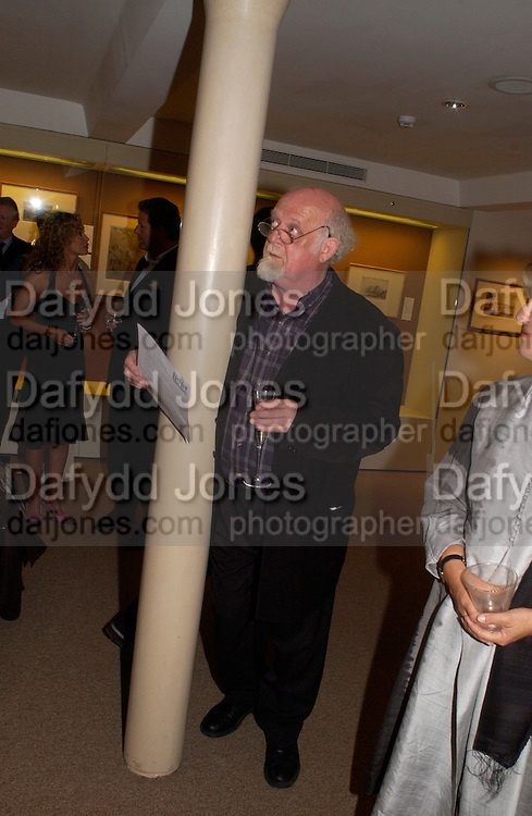 Roland Muldoon, Fundraising evening in aid of Education at the Hackney Empire. Hosted by Fleming Family and partners at The Fleming collection. Berkeley St.  24 June 2004. SUPPLIED FOR ONE-TIME USE ONLY-DO NOT ARCHIVE. © Copyright Photograph by Dafydd Jones 66 Stockwell Park Rd. London SW9 0DA Tel 020 7733 0108 www.dafjones.com