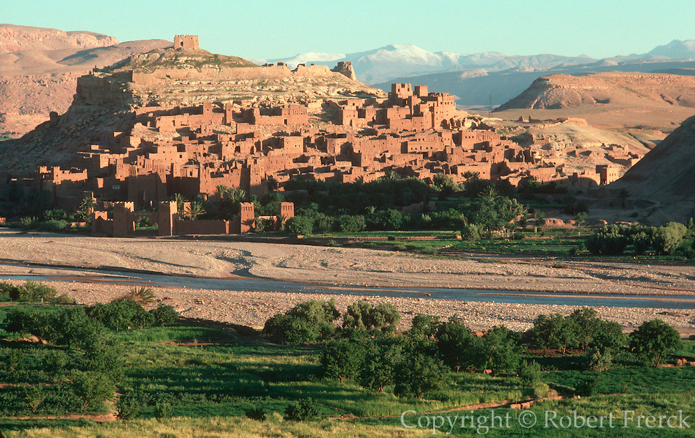 MOROCCO, HIGH ATLAS MOUNTAINS the Kasbah of Ait-Benhaddou, on the Ounila River near Ouarzazate south of Marrakech