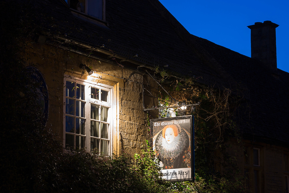The Queen's Head Inn restaurant and bar, Donnnington Ales, at famous popular tourist town Stow-on-the-Wold in the Cotswolds, UK