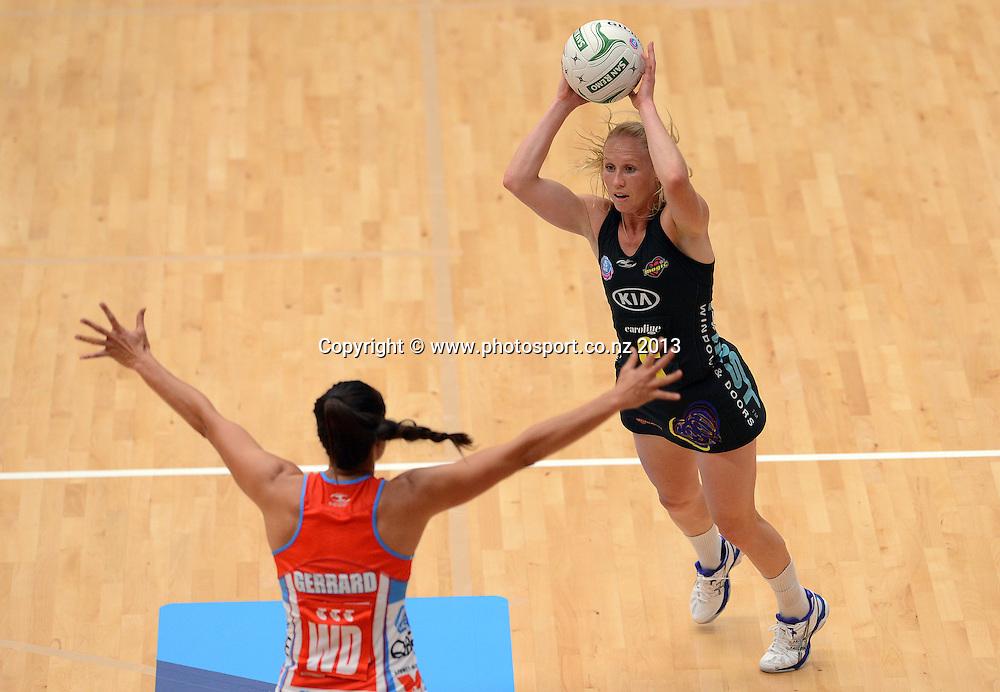 Laura Langman. ANZ Netball Championship. KIA Waikato Bay of Plenty Magic v NSW Swifts, ASB Baypark Arena, Tauranga. New Zealand. Sunday 31 March 2013. Photo: Andrew Cornaga/Photosport.co.nz