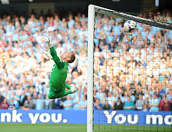 Manchester United's Wayne Rooney scores a free kick - Photo mandatory by-line: Dougie Allward/JMP - Tel: Mobile: 07966 386802 22/09/2013 - SPORT - FOOTBALL - City of Manchester Stadium - Manchester - Manchester City V Manchester United - Barclays Premier League