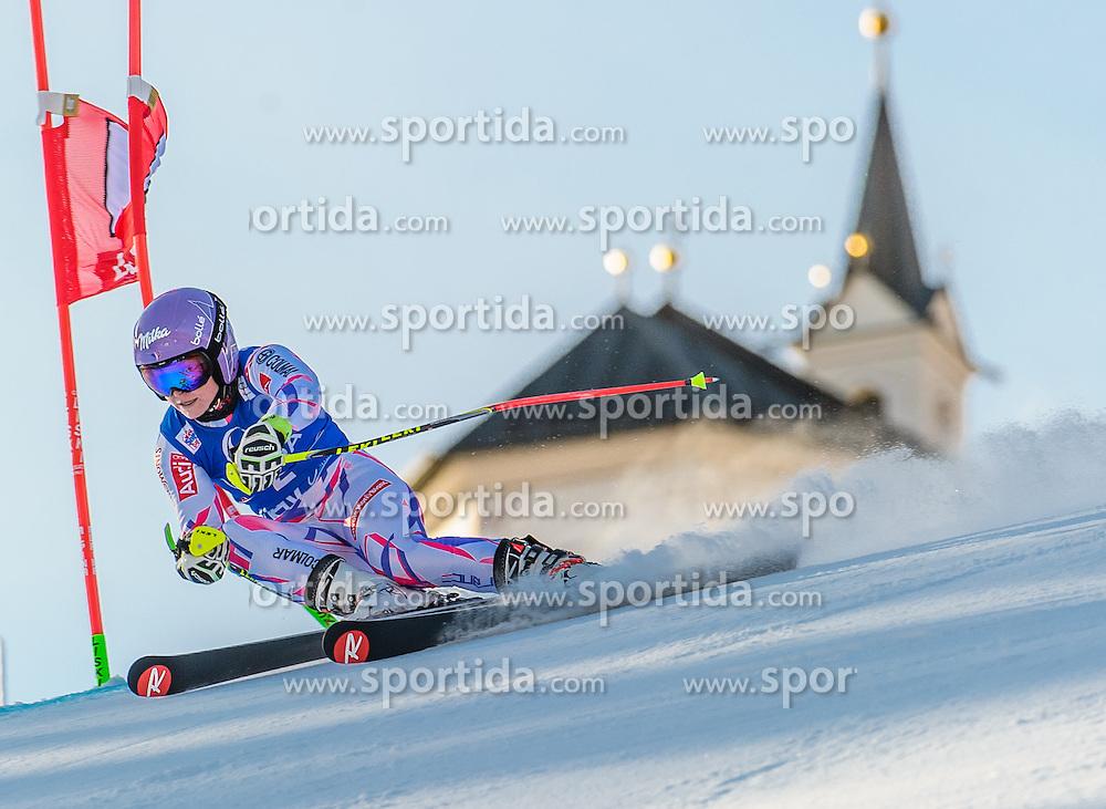 28.12.2015, Hochstein, Lienz, AUT, FIS Ski Weltcup, Lienz, Riesenslalom, Damen, 1. Durchgang, im Bild Tessa Worley (FRA) // Tessa Worley of France during 1st run of ladies Giant Slalom of the Lienz FIS Ski Alpine World Cup at the Hochstein in Lienz, Austria on 2015/12/28. EXPA Pictures © 2015, PhotoCredit: EXPA/ Michael Gruber