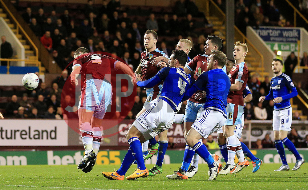 Burnley's Sam Vokes misses a chance - Mandatory by-line: Matt McNulty/JMP - 05/04/2016 - FOOTBALL - Turf Moor - Burnley, England - Burnley v Cardiff City - SkyBet Championship