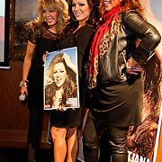 NLD/Amsterdam/20111201- Presentatie Tatjana Simic kalender, Patricia Paay, Tatjana en Patty Brard