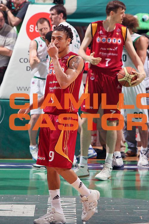 DESCRIZIONE : Siena Lega A1 2007-08 Playoff Finale Gara 5 Lottomatica Virtus Roma Montepaschi Siena<br /> GIOCATORE : Ibrahim Jaaber<br /> SQUADRA : Lottomatica Virtus Roma <br /> EVENTO : Campionato Lega A1 2007-2008 <br /> GARA : Lottomatica Virtus Roma Montepaschi Siena <br /> DATA : 12/06/2008 <br /> CATEGORIA : Delusione<br /> SPORT : Pallacanestro <br /> AUTORE : Agenzia Ciamillo-Castoria/G. Ciamillo