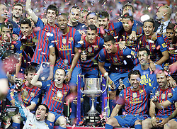 25.05.2012, Vicente Calderon Stadion, Madrid, ESP, Kings Cup Finale, FC Barcelona vs Athletic Bilbao, im Bild Barcelona's players celebrate with trophy // during the Spanish Kings Cup final match between Fc Barcelona and Athletic Bilbao at the Vicente Calderon Stadium, Madrid, Spain on 2012/05/25. EXPA Pictures © 2012, PhotoCredit: EXPA/ Alterphotos/ Alvaro Hernandez..***** ATTENTION - OUT OF ESP and SUI *****