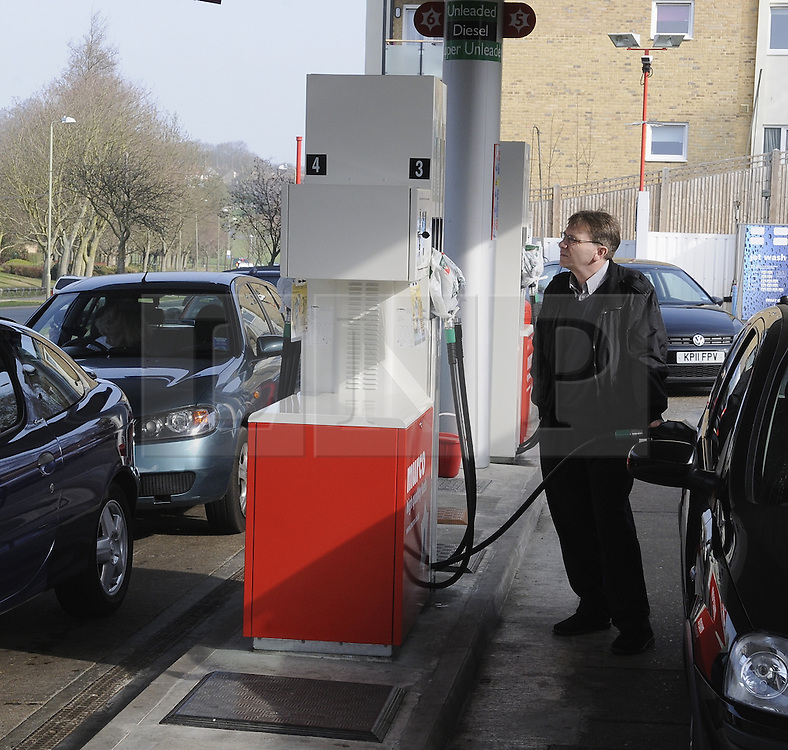 © Licensed to London News Pictures. 30/03/2012.People continue to panic buy petrol today (30.03.2012).at Murco Petrol station St Pauls Cray,Orpington,South East London which now only has Super Unleaded in stock..Photo credit : Grant Falvey/LNP