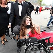 NLD/Amsterdam/20070623 - Inloop Amsterdamdiner 2007, miss-handicap 2006 Roos Prommenschenkel en partner