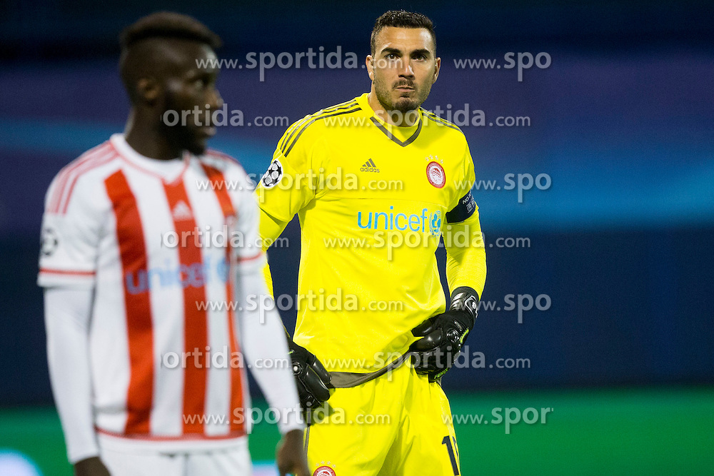 Roberto Jimenez Gago #16 of Olympiakos during football match between GNK Dinamo Zagreb and Olympiakos in Group F of Group Stage of UEFA Champions League 2015/16, on October 20, 2015 in Stadium Maksimir, Zagreb, Croatia. Photo by Urban Urbanc / Sportida