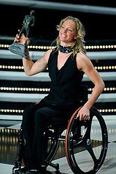 15-12-2009 ALGEMEEN: NOC NSF SPORTGALA 2009: AMSTERDAM<br /> Monique van der Vorst beste gehandicapte sporter van het jaar<br /> ©2009-WWW.FOTOHOOGENDOORN.NL