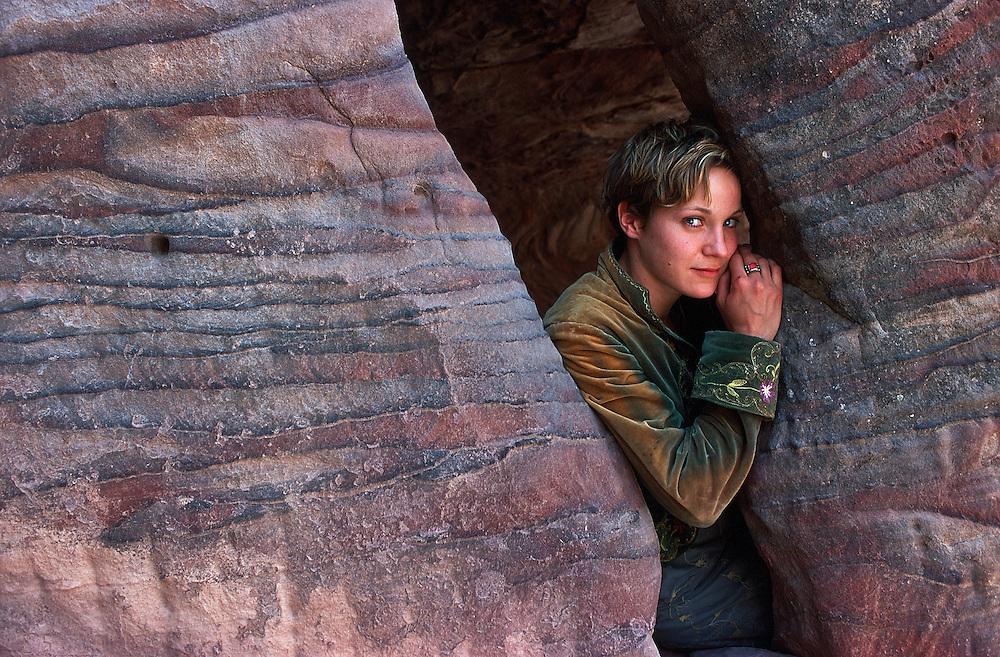 "German actress Jeanette Hain during the shooting of the movie ""Reise nach Kafiristan"" in Petra, Jordan, 2000..© Stefan Falke"