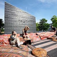 Nederland, Amsterdam , 21 juli 2010..Het terras van Algerijnse Nomadische eettent Rainarai op Westergasterrein. .The sunniest terraces of Amsterdam