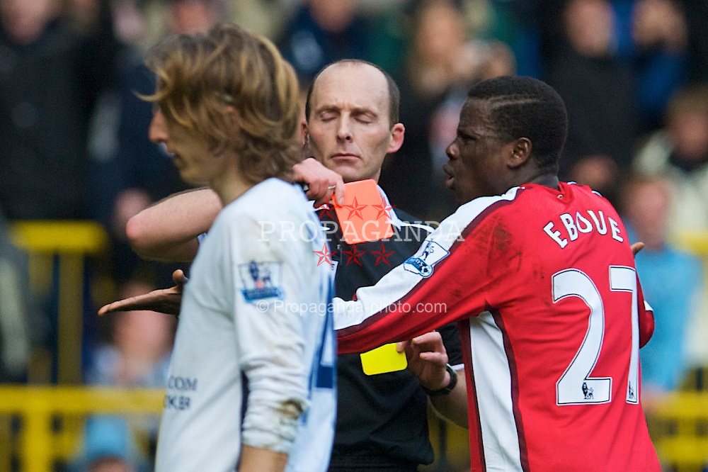LONDON, ENGLAND - Sunday, February 8, 2009: Arsenal's Emmanuel Eboue is shown the red card and sent off during the Premiership match at against Tottenham Hotspur White Hart Lane. (Mandatory credit: David Rawcliffe/Propaganda)
