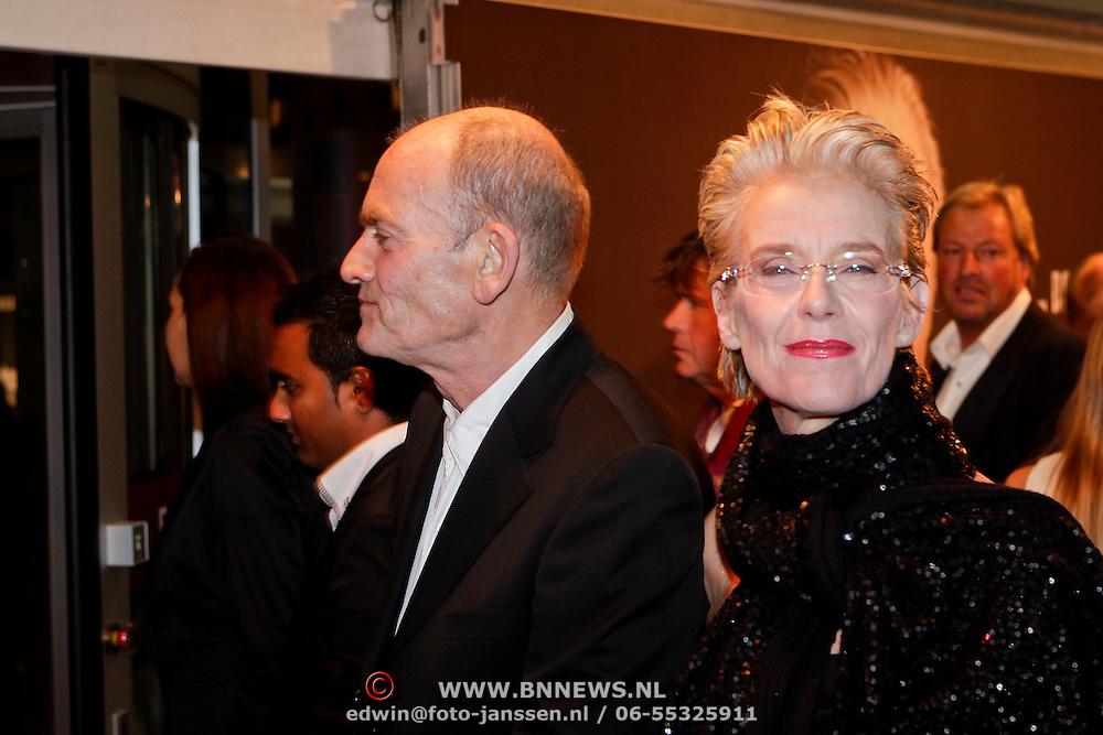 NLD/Amsterdam/20111017 - Premiere De Heineken Ontvoering, Jette van der Meij en …………