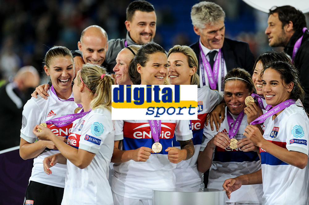 Olympique Lyon players celebrates the victory during the UEFA Women's Champions League Final between Lyon Women and Paris Saint Germain Women at the Cardiff City Stadium, Cardiff, Wales on 1 June 2017. Photo by Giuseppe Maffia.<br /> <br /> Giuseppe Maffia/UK Sports Pics Ltd/Alterphotos