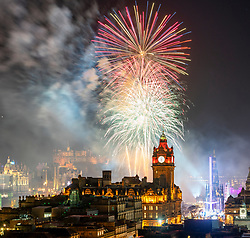 Edinburgh, Scotland, UK. 31st Dec 2019. Fireworks display above Edinburgh Castle at the start of Edinburgh's famous Hogmanay party. Iain Masterton/Alamy Live News