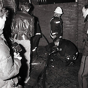 NLD/Hilversum/19890417 - Brand Thermo Shell in Hilversum door brandbom geplaatst door actiegroep RARA