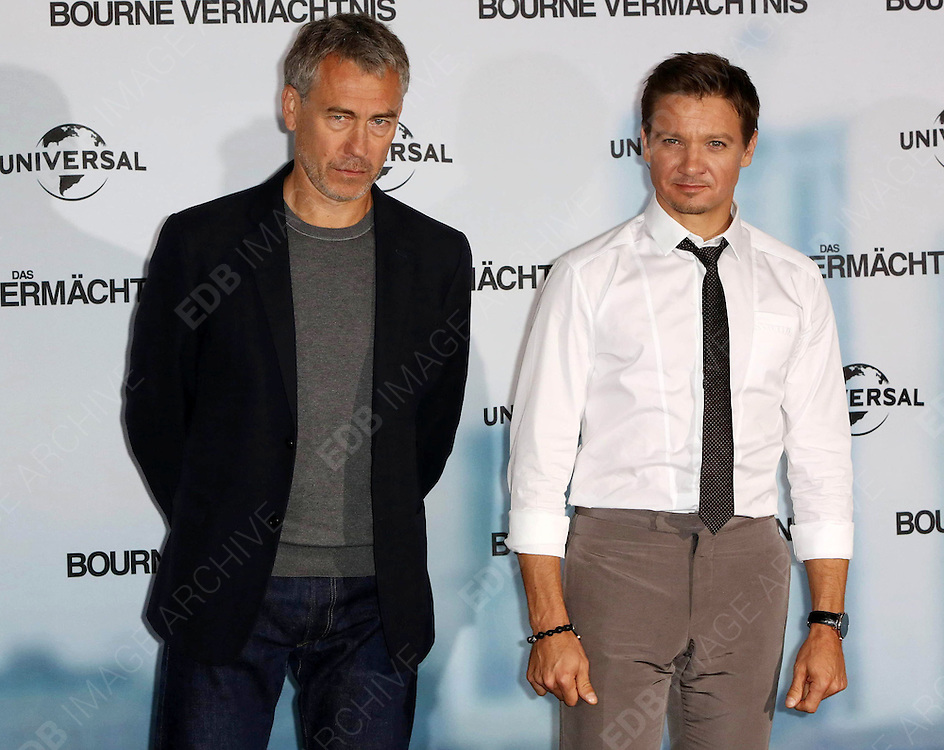 03.SEPTEMBER.2012. BERLIN<br /> <br /> TONY GILROY AND JEREMY RENNER ATTEND THE &quot;THE BOURNE LEGACY&quot; PHOTOCALL AT THE RITZ CARLTON HOTEL IN BERLIN.<br /> <br /> BYLINE: EDBIMAGEARCHIVE.CO.UK<br /> <br /> *THIS IMAGE IS STRICTLY FOR UK NEWSPAPERS AND MAGAZINES ONLY*<br /> *FOR WORLD WIDE SALES AND WEB USE PLEASE CONTACT EDBIMAGEARCHIVE - 0208 954 5968*