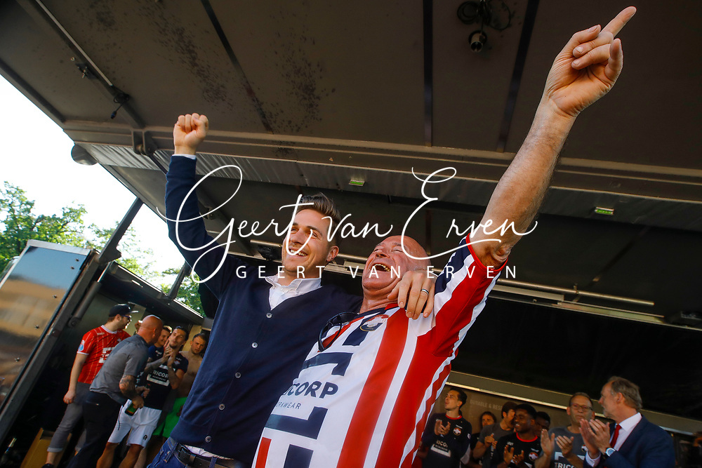 Supporters of Willem II celebrating the season with the players and staff,  *Jordens Peters* of Willem II