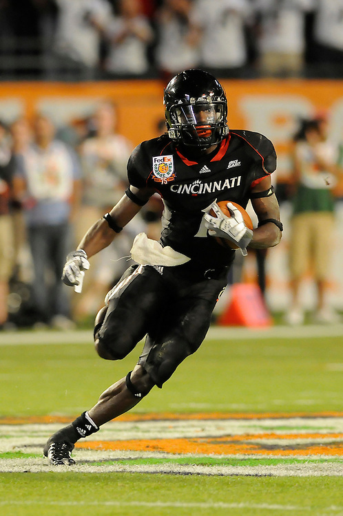 January 1, 2009: Mardy Gilyard of the Cincinnati Bearcats in action during the NCAA football game between the Virginia Tech Hokies and the Cincinnati Bearcats in the Orange Bowl Classic. The Hokies defeated the Bearcats 20-7.