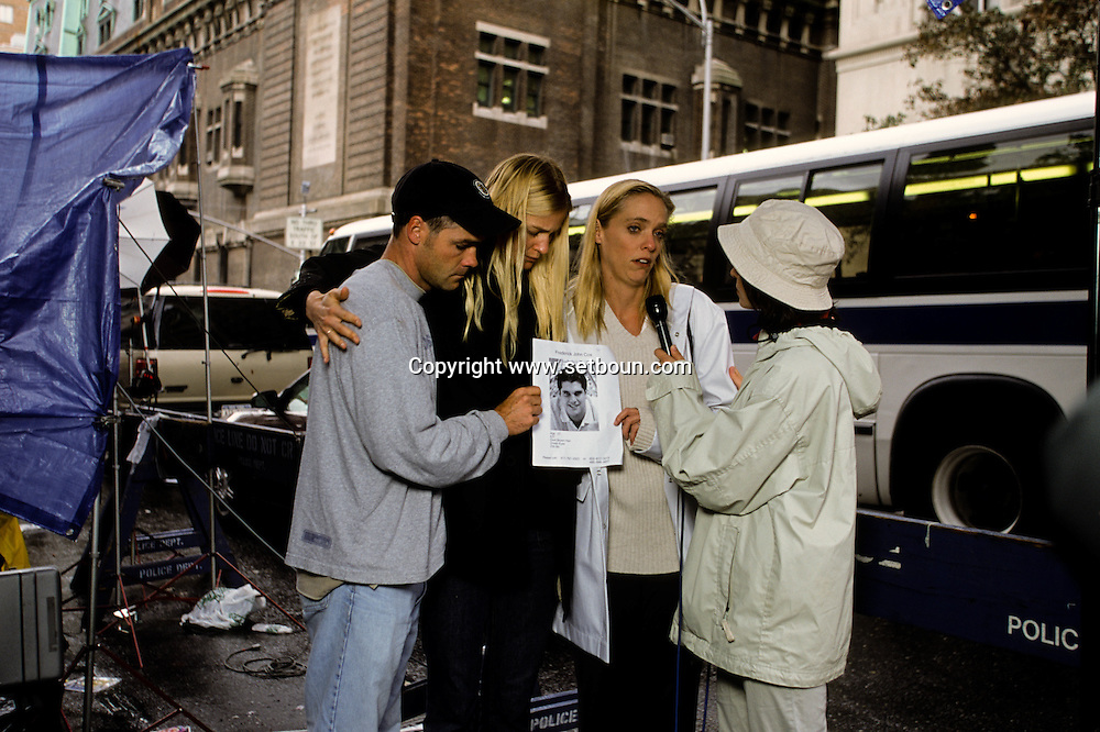 New York after 9/11 people searching their relatives or friends. missing people portraits after the terorist attack  on world trade center towers in Manhattan  New york  Usa /   famille et amis a la recherche des disparus apres l'attaque terroriste sur les tours du world trade center a Manhattan  New york  USA