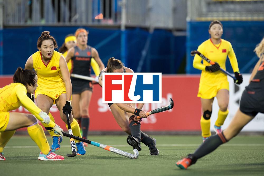 AUCKLAND - Sentinel Hockey World League final women<br /> Match id: 10305<br /> 16 NED v CHina (QF)<br /> Foto: Lidewij Welten scores 1-0<br /> WORLDSPORTPICS COPYRIGHT FRANK UIJLENBROEK