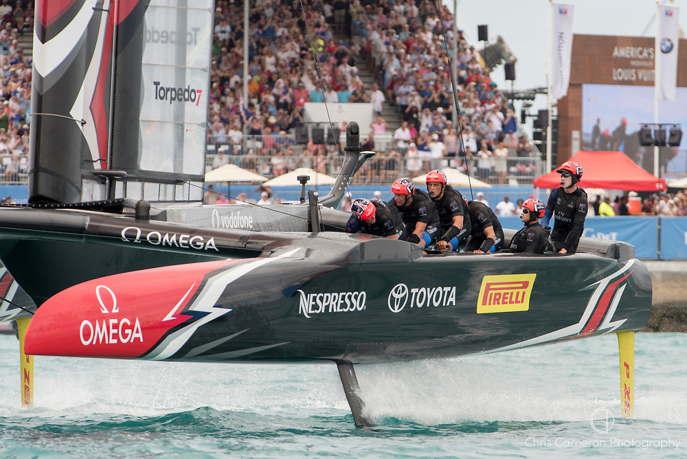 The Great Sound, Bermuda, 24th June 2017, Emirates Team New Zealand beat Oracle team USA in race five. Day three of racing in the America's Cup presented by louis Vuitton.