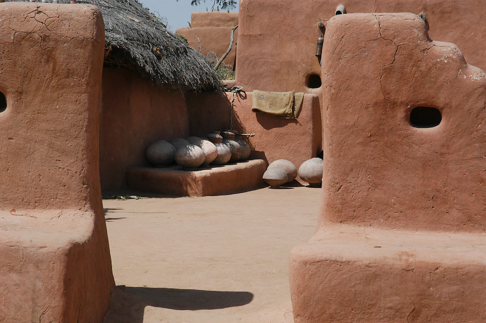 Traditionally built mud house in the Thar desert of Jaisalmer, Rajasthan (India)