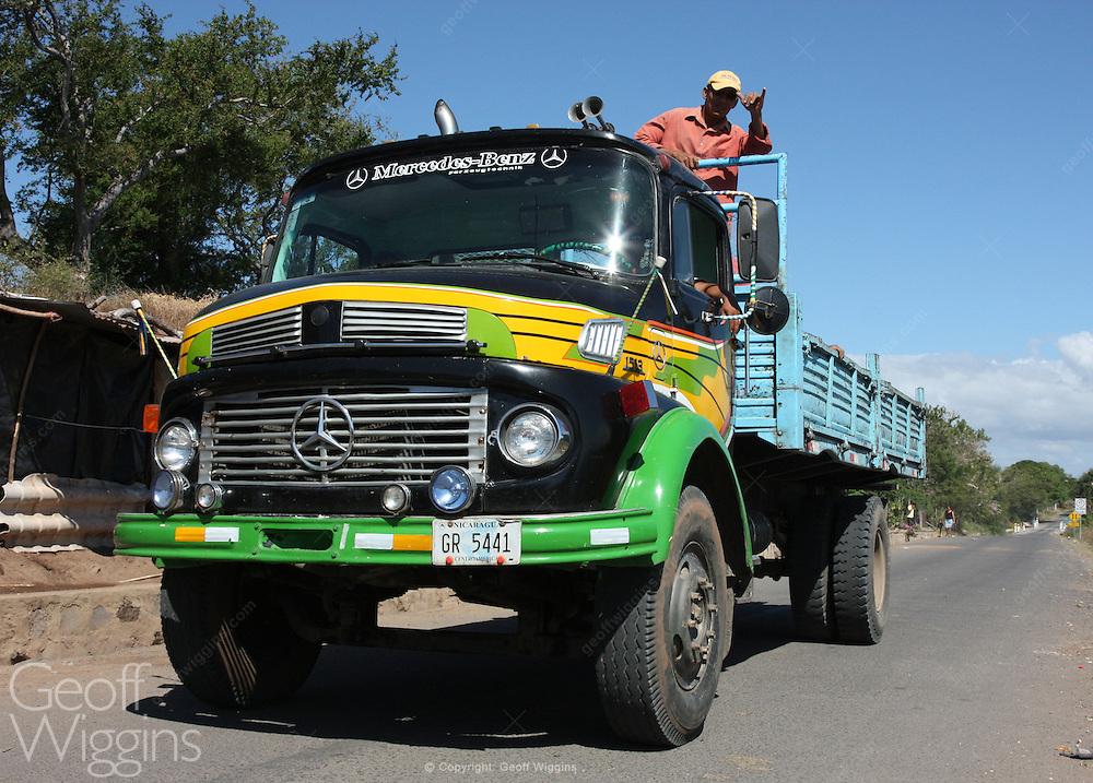 Vintage Mercedes 1513 truck on Nicaraguan country road