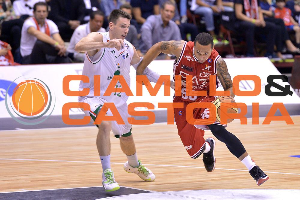 DESCRIZIONE : Milano Lega A 2013-14 EA7 Emporio Armani Milano vs Montepaschi Siena playoff Finale gara 5<br /> GIOCATORE : Curtis Jerrells<br /> CATEGORIA : Palleggio<br /> SQUADRA : EA7 Emporio Armani Milano<br /> EVENTO : Finale gara 5 playoff<br /> GARA : EA7 Emporio Armani Milano vs Montepaschi Siena playoff Finale gara 5<br /> DATA : 23/06/2014<br /> SPORT : Pallacanestro <br /> AUTORE : Agenzia Ciamillo-Castoria/I.Mancini<br /> Galleria : Lega Basket A 2013-2014  <br /> Fotonotizia : Milano<br /> Lega A 2013-14 EA7 Emporio Armani Milano vs Montepaschi Siena playoff Finale gara 5<br /> Predefinita :
