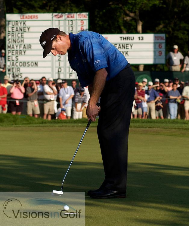 US Open, June 2003, Olympia Fields CC, Chicago. Jim Furyk putts on the 15th green.<br />