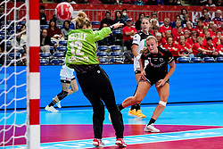 08-12-2019 JAP: Netherlands - Germany, Kumamoto<br /> First match Main Round Group1 at 24th IHF Women's Handball World Championship, Netherlands lost the first match against Germany with 23-25. / Debbie Bont #7 of Netherlands, Dinah Eckerle #12 of Germany