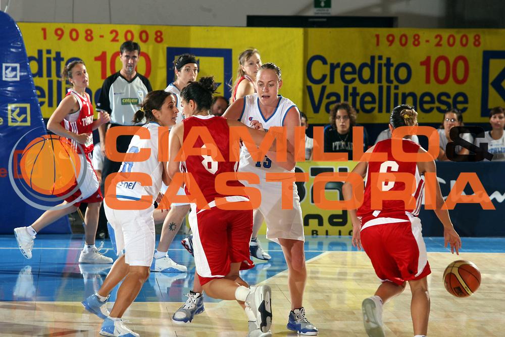DESCRIZIONE : Bormio Torneo Preparazione Europei Nazionale Femminile 2007 Italia Turchia<br />GIOCATORE : Kathrin Ress<br />SQUADRA : Nazionale Italia Donne<br />EVENTO : Bormio Torneo Preparazione Europei Nazionale Femminile 2007<br />GARA : Italia Turchia<br />DATA : 13/08/2007<br />CATEGORIA : Blocco<br />SPORT : Pallacanestro<br />AUTORE : Agenzia Ciamillo-Castoria/G.Ciamillo