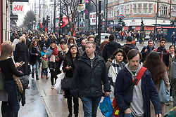 © Licensed to London News Pictures. 22/12/2017. London, UK. Christmas shoppers in Oxford Street in London on the last Friday before Christmas. Photo credit: Vickie Flores/LNP