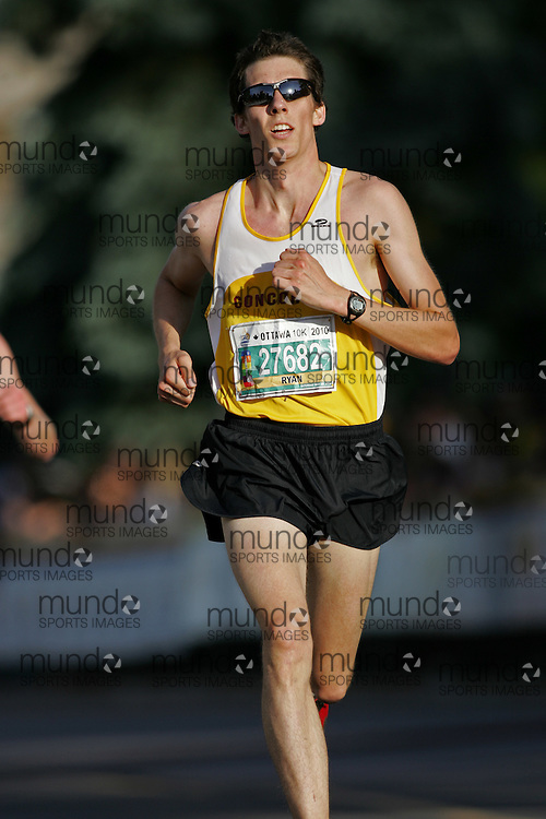 (Ottawa, ON --- May 29, 2010) RYAN NOEL-HODGE running in the 10km race during the Ottawa Race Weekend. Photograph copyright Sean Burges / Mundo Sport Images