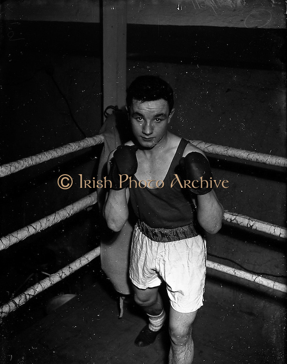 20/01/1953<br /> 01/20/1953<br /> 20 January 1953<br /> Members of Sandymount Boxing Club, off Pearse Street, Dublin. Ando Reddy.