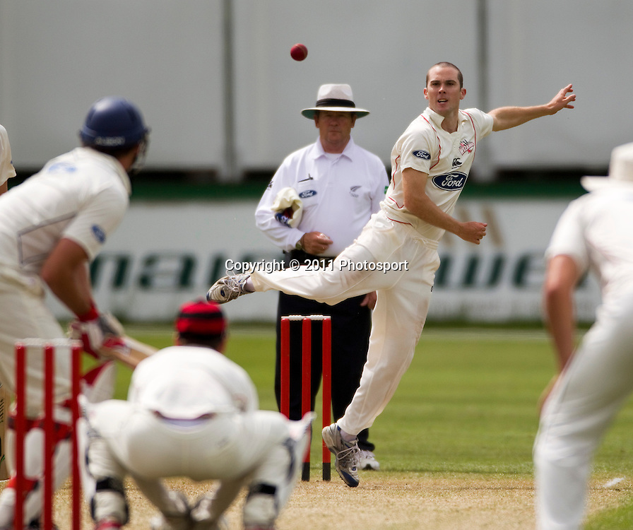 Canterbury bowler Todd Astle on day 2 of the 4 Day Plunket Shield cricket match between the Canterbury Wizards and Auckland Aces. Played on MainPower Oval in Rangiora, Canterbury. Tuesday 15 November 2011. Joseph Johnson/photosport.co.nz