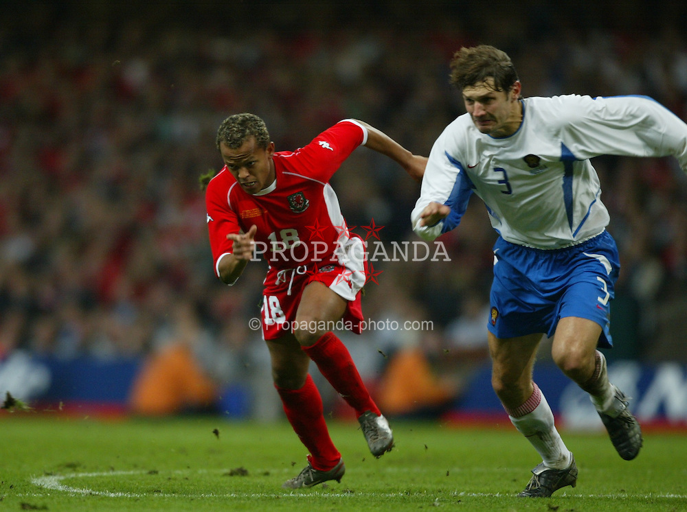 CARDIFF, WALES - Wednesday, November 19, 2003: Wales' Robert Earnshaw in action against Russia during the Euro 2004 Qualification Play Off match at the Millennium Stadium. (Pic by David Rawcliffe/Propaganda)