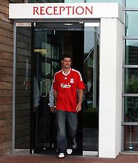 080904 Liverpool sign Riera