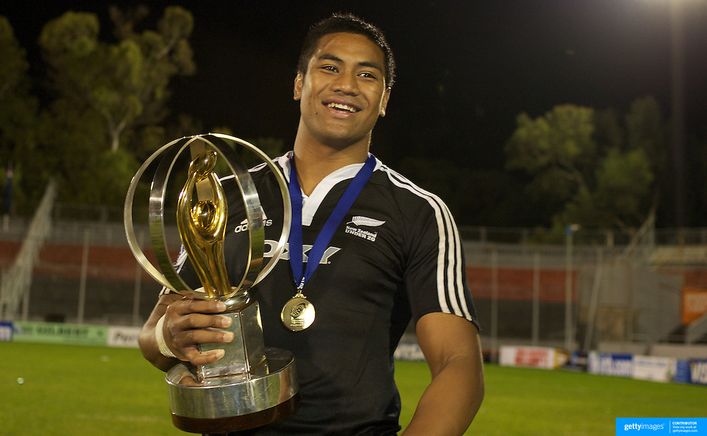 Julian Saver, New Zealand, Junior player of the year during the Australia V New Zealand Final match at Estadio El Coloso del Parque, Rosario, Argentina, during the IRB Junior World Championships. 21th June 2010. Photo Tim Clayton..