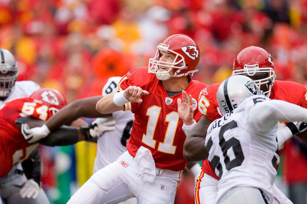 KANSAS CITY, MO - SEPTEMBER 14:   Damon Huard #11 of the Kansas City Chiefs watches a pass against the Oakland Raiders at Arrowhead Stadium on September 14, 2008 in Kansas City, Missouri.  The Raiders defeated the Chiefs 23-8.  (Photo by Wesley Hitt/Getty Images) *** Local Caption *** Damon Huard