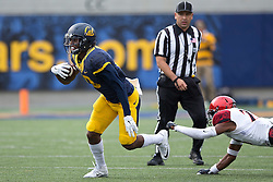 BERKELEY, CA - SEPTEMBER 12:  Wide receiver Darius Powe #10 of the California Golden Bears breaks a tackle from defensive back Kameron Kelly #27 of the San Diego State Aztecs during the third quarter at California Memorial Stadium on September 12, 2015 in Berkeley, California. The California Golden Bears defeated the San Diego State Aztecs 35-7. (Photo by Jason O. Watson/Getty Images) *** Local Caption *** Darius Powe; Kameron Kelly