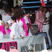 NLD/Amsterdam/20080802 - Canal Parade 2008 Amsterdam, Gordon Heuckeroth heeft lol met Winston Gerstanowitz